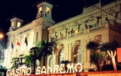 Skandal me delegacionin shqiptar n� Milano: L�n� Samiti p�r t� luajtur kazino