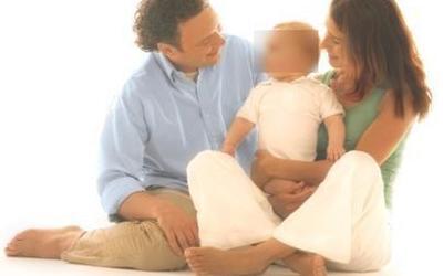 Në cilën gjuhë qajnë foshnjat?