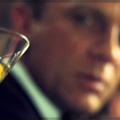Mjekët anglezë: Xhejms Bond ishte një pijanec dhe impotent
