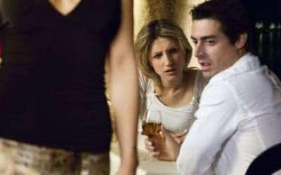 Burrat lakmojnë gratë e tjera? Eshtë faji i evolucionit