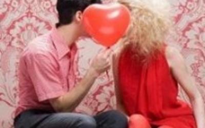 Shën Valentini, sondazhi: Tëgjithë duan më shumë seks