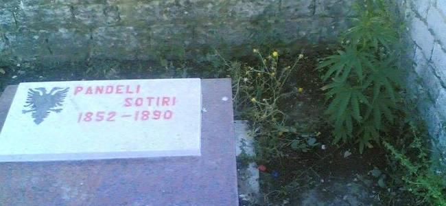 Pandeli Sotirit pa varr të denjë por....me hashash tek koka