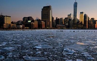 Studimi: Në vitin 2030 Toka do të mbulohet nga akullnajat