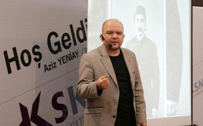 Historiani turk shan e mallkon Skendërbeun në mes të Lezhës