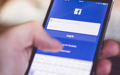 Njerëzit që postojnë pak në rrjetet sociale janë mendërisht të fortë