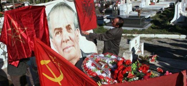 Kur zhvarrosej Enver Hoxha, trupi i padekompozuar (Kujdes, pamje të rënda)
